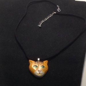 Lam Leather chocker with vintage cat pendant